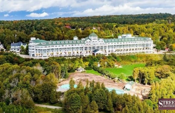 Watch The Renovation of Mackinac Island's Grand Hotel Pool [VIDEOS]